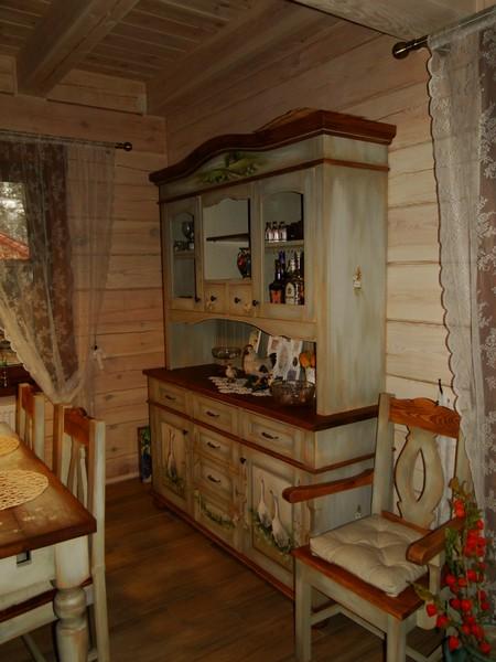 KREDENS DREWNIANY  RUSTYKALNE KUCHNIE I STYLOWE MEBLE   -> Kuchnie Drewniane Rustykalne